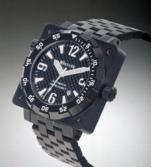 Môntrèk Black Square Diver Watch